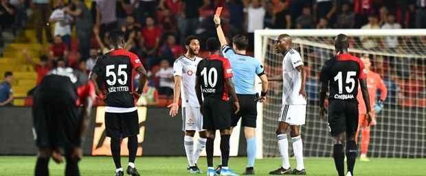 Beşiktaşlı Elneny'e 3 maç ceza