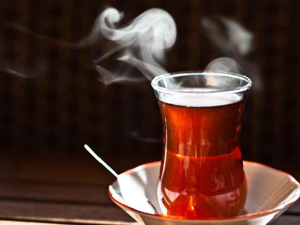 Bir çay demledim!