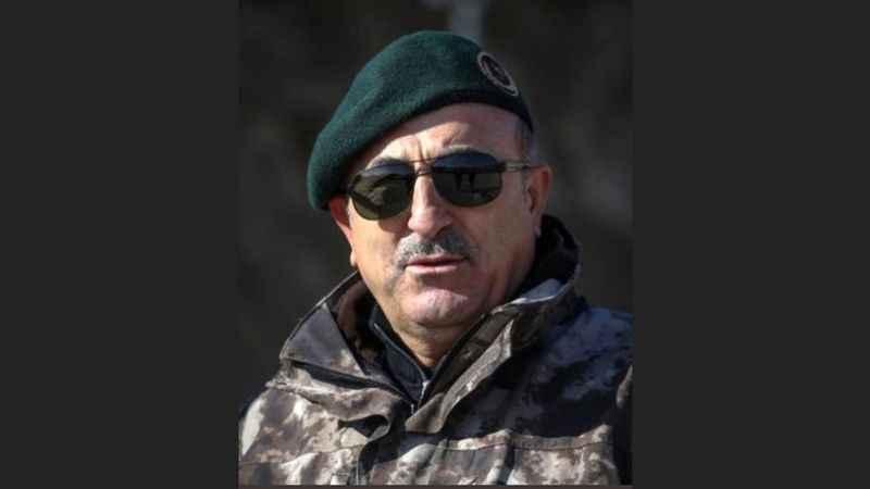 Bakan Mevlüt Çavuşoğlu'ndan operasyon pozu