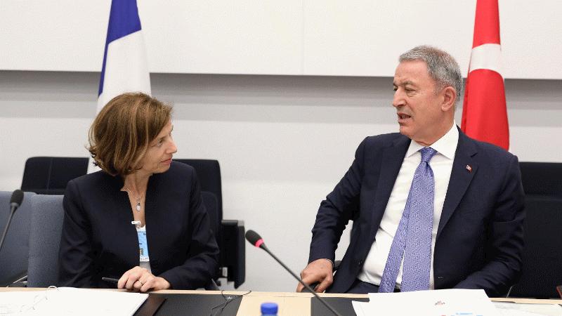 Hulusi Akar Fransa Savunma Bakanı Parly ile görüştü