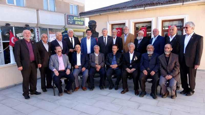 Kıbrıs gazileri, KKTC Cumhurbaşkanı Akıncı'yı istifaya çağırdı