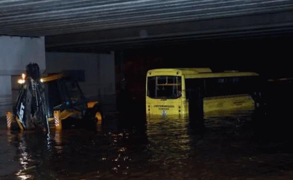 Gaziantep'te aşırı yağışlar sele döndü!
