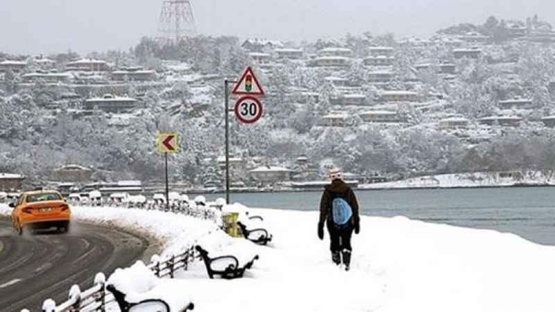 İstanbul'a kar yağışı uyarısı erken geldi: Bu kış soğuk geçecek!