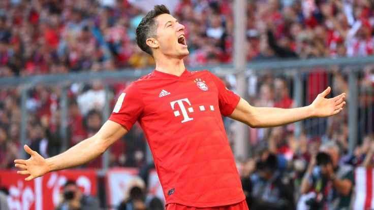 Robert Lewandowski'den Bundesliga tarihine geçen gol