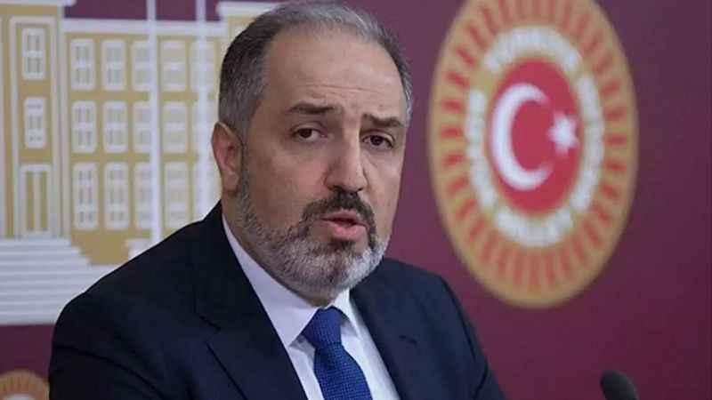 """Ahmet Hakan'dan, DEVA Partili Yeneroğlu'na: """"İlkesiz adam!"""""""