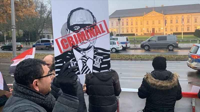 Sisi'ye Almanya'da protesto