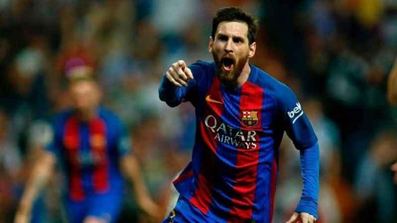 Barcelona'nın yıldızı Messi, 700. maçına çıktı 613. golünü attı