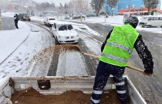 İBB, ilçe belediyelerine tuz yardımı yapacak