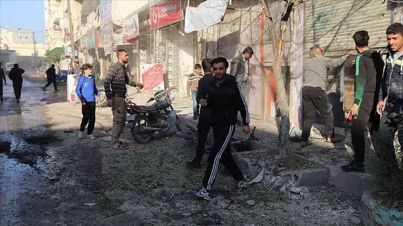 YPG/PKK'lı teröristler Azez'deki sivillere saldırdı