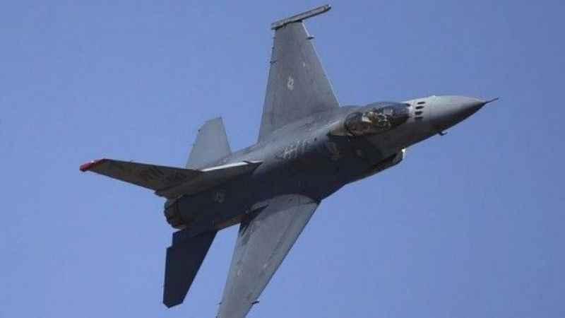 ABD'ye ait F-16 hava üssü yakınına düştü
