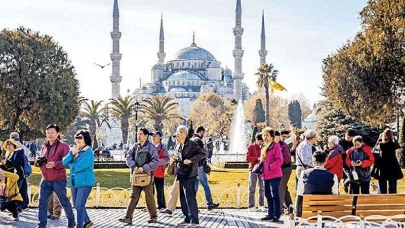 İstanbul'da turist sayısı ilk çeyrekte yarı yarıya düştü