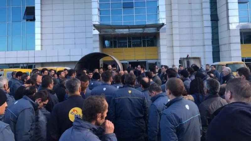 İstanbul'da PTT işçileri iş bıraktı