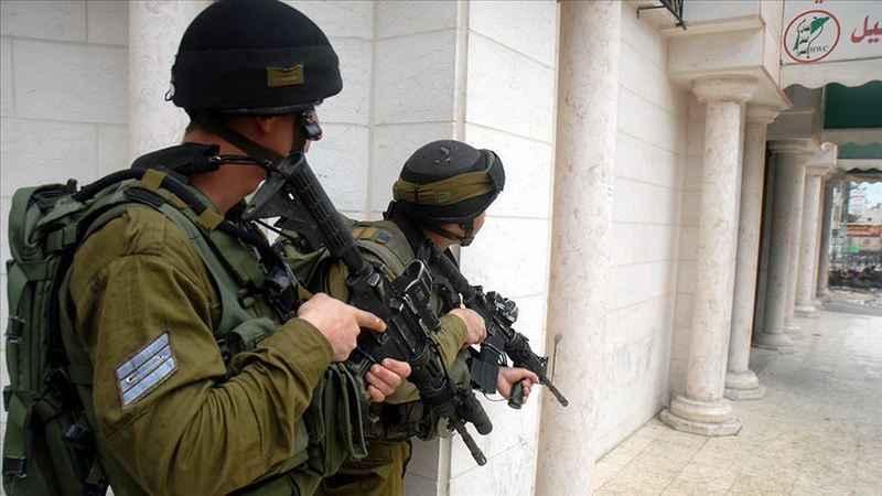 İşgalci İsrail güçleri Batı Şeria'da 9 Filistinliyi gözaltına aldı