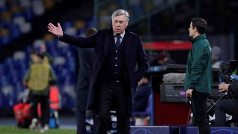 Şampiyonlar Ligi'nde turlayan Napoli'de Ancelotti kovuldu
