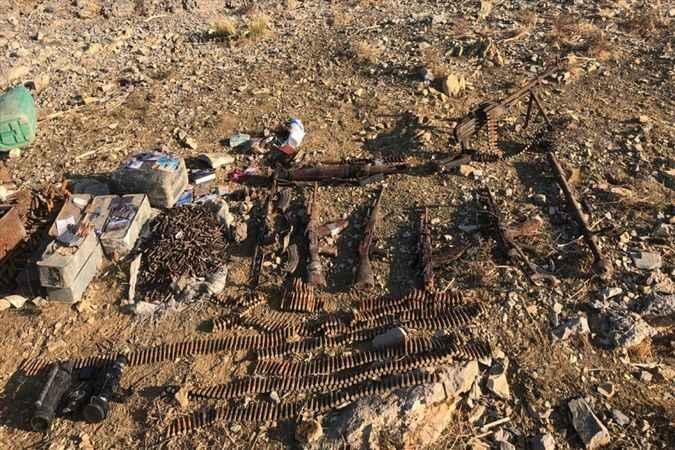'Pençe' harekâtında 3 girişli mağarada silah ve mühimmat ele geçirildi