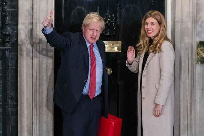 İngiltere Başbakanı Boris Johnson, Kraliçe'den izni aldı