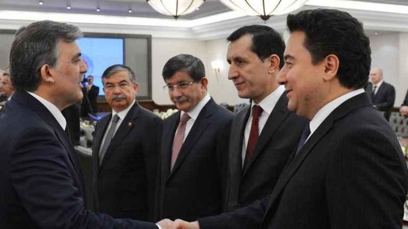 Davutoğlu, Babacan ve Gül'e 'iknaya' giden AKP'li 'ağabey'ler kim?