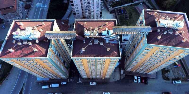 Rize işi yangın merdiveni: Çatıdan çatıya