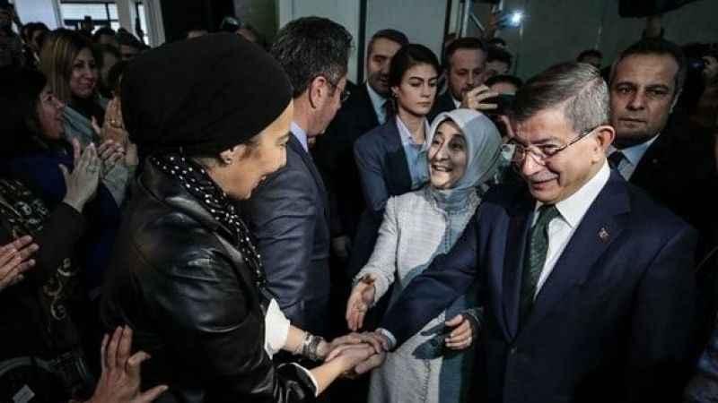 Davutoğlu'nun Gelecek Partisi'ne AKP'den vekil transferi olacak mı?