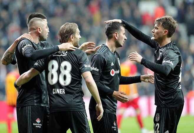 Beşiktaş, Antalya kampında iki hazırlık maçı oynayacak