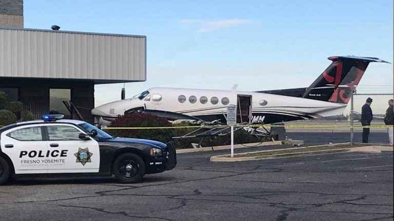 17 yaşındaki genç piste girip uçak çaldı