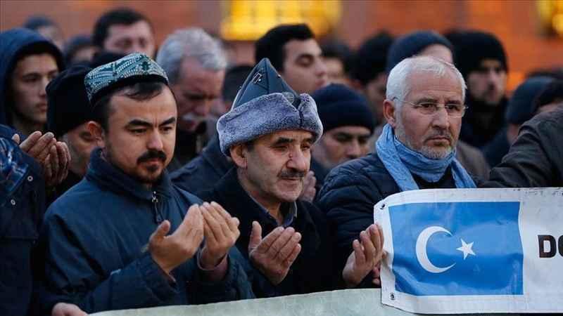Hacı Bayram Camii'nde eller Doğu Türkistan için duaya açıldı