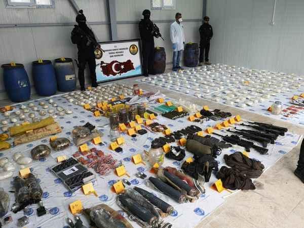 Beşiktaş'a patlayıcı götürenler yakalandı