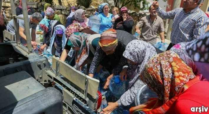 Ak Parti İl Başkanı: İzmir'i sel götürüyor, musluklardan su akmıyor
