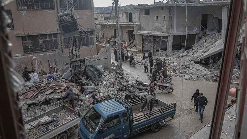 Rusya'dan İdlib'te katliam: 5'i çocuk 8 sivil hayatını kaybetti