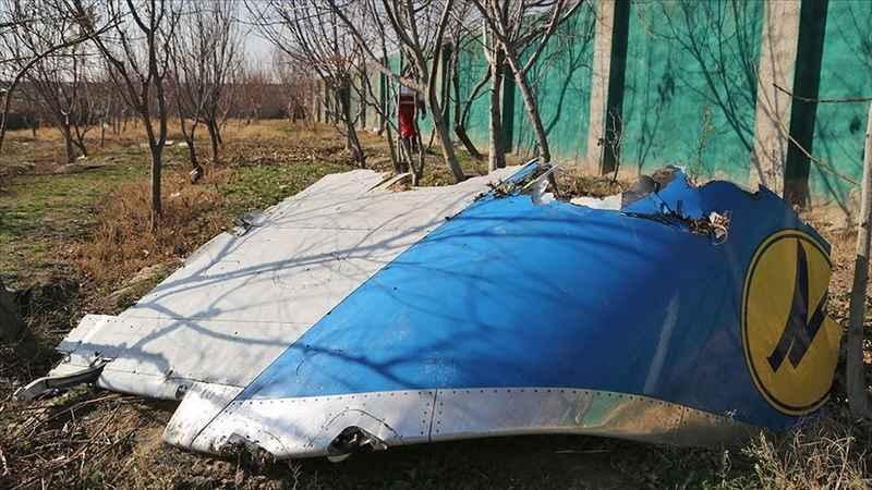 İran'da düşen uçağın iki kara kutusu da bulundu