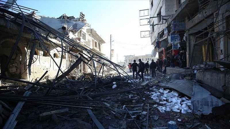 İdlibli aileler bombaların parçaladığı 'minik bedenleri' arıyor