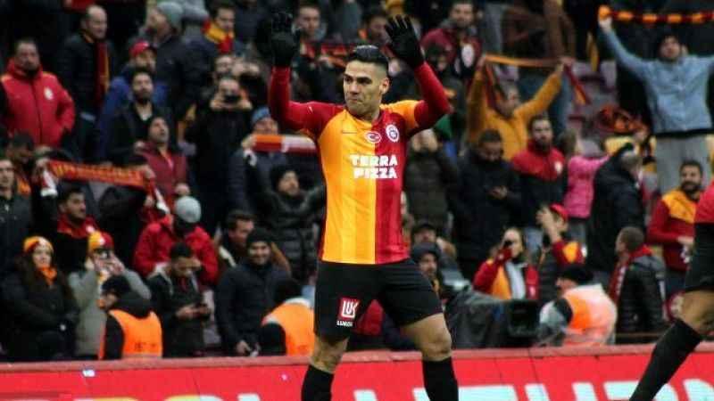 Galatasaray'da forvet krizi! Falcao üç hafta yok