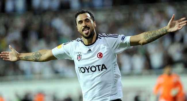 Beşiktaş'ın eski yıldızı Hugo Almeida'dan veda