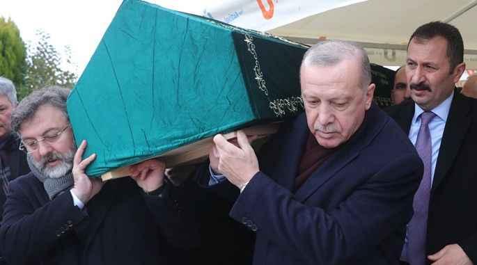 Cumhurbaşkanı Erdoğan İstanbul'da cenaze namazına katıdı