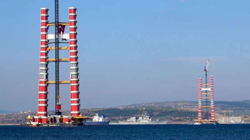 Boğaz'da ABD savaş gemisi alarmı!