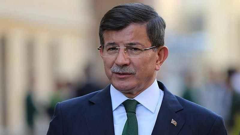 Ahmet Davutoğlu'nun yakınındaki isim istifa etti