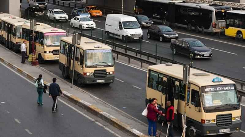 Minibüs şoförlerinden Koronavirüs önlemi! 65 yaş üstü almıyorlar