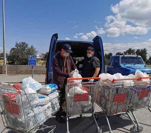 Kıbrıs Türklerinden Rum Kesimi'ndeki uluslararası öğrencilere yardım