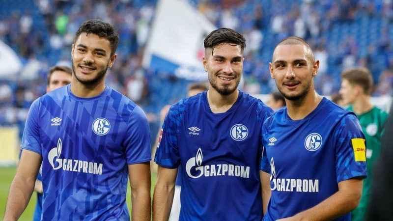 Schalke 04, futbolcuların maaşlarından vazgeçtiğini duyurdu!