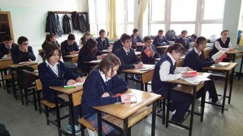 Abbas Güçlü'den öğretmen yazısı: Kadro bekleyen milyonlarca genç var