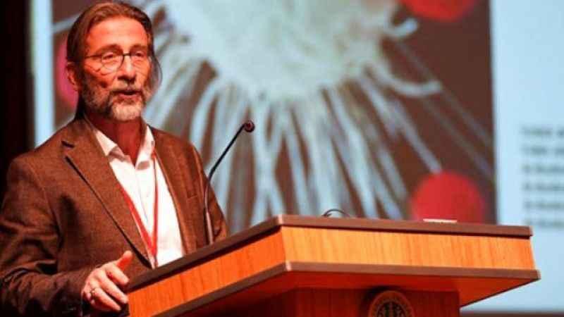 Prof. Dr. Ercüment Ovalı'nın geliştirdiği aşıda Trabzonspor detayı!