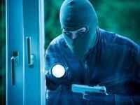 Eve kapanan halk hırsızlık sigortasını bıraktı