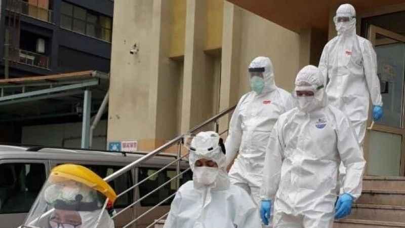 Huzurevinde koronavirüs şoku! Doktor 54 kişiye bulaştırdı