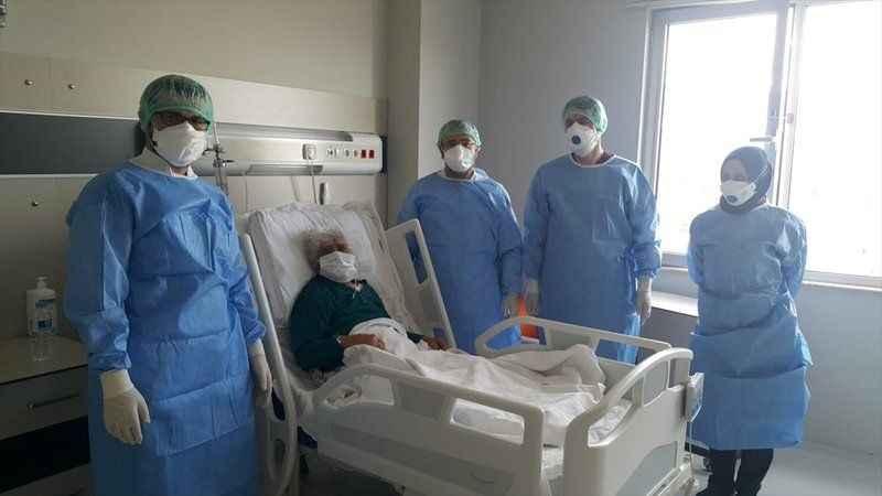 Erzincan'da 99 yaşındaki hasta sağlığına kavuştu!
