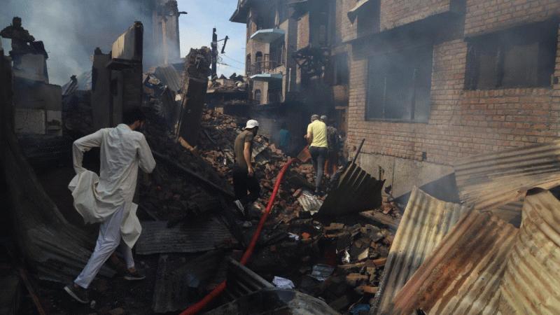Hindistan ordusu Keşmir'e baskın düzenledi: 2 kişi katledildi