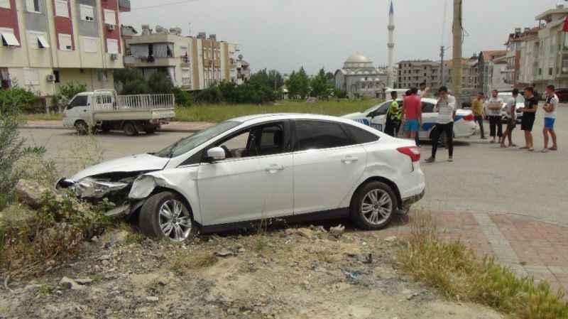 17 yaşında kaza yaptı! Aracı bırakıp kaçtı