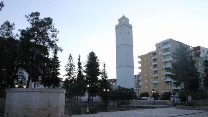 Bayramda boş kalan camilerin minarelerinden tekbirler yükseldi!