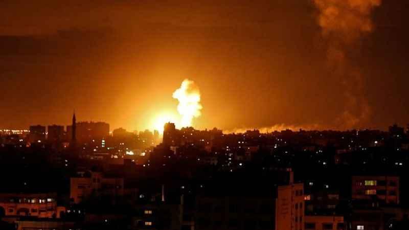 İşgalci İsrail Gazze'yi bombaladı