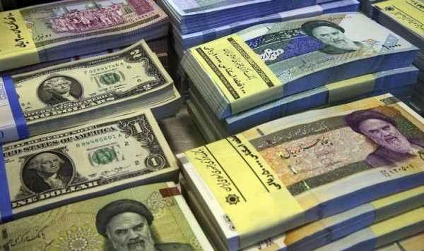 İran'da dolar durdurulamıyor! Merkez Bankası'ndan sert hamle