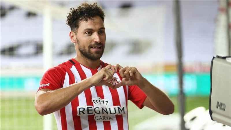 Sinan Gümüş Antalyaspor'da kalmaya devam edecek mi?